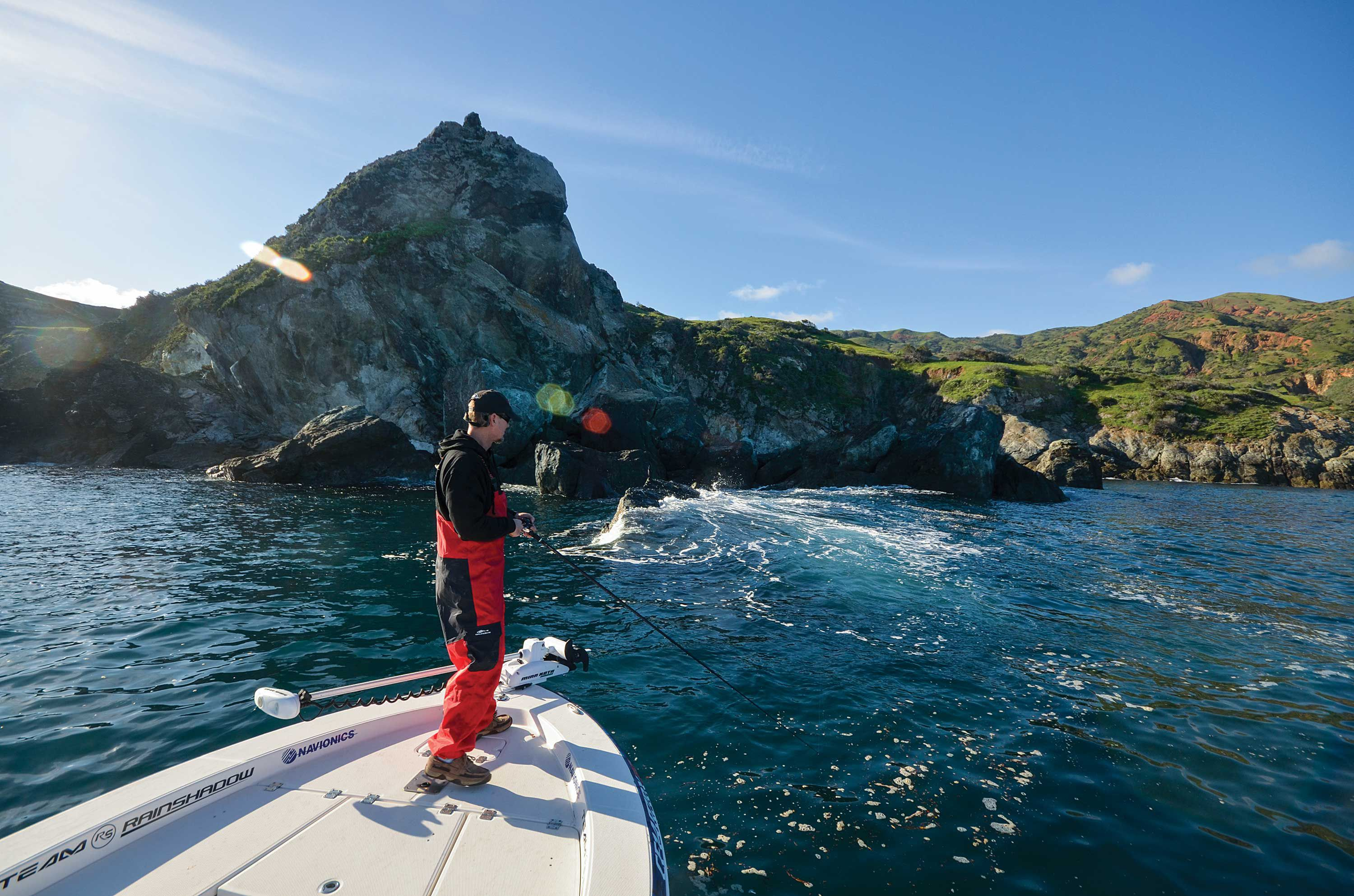 The shallow draft of bay boats and hybrids allows anglers to fish tight to rocky shorelines along the coast, and around offshore islands such as San Clemente in pursuit of structure-loving calico bass.