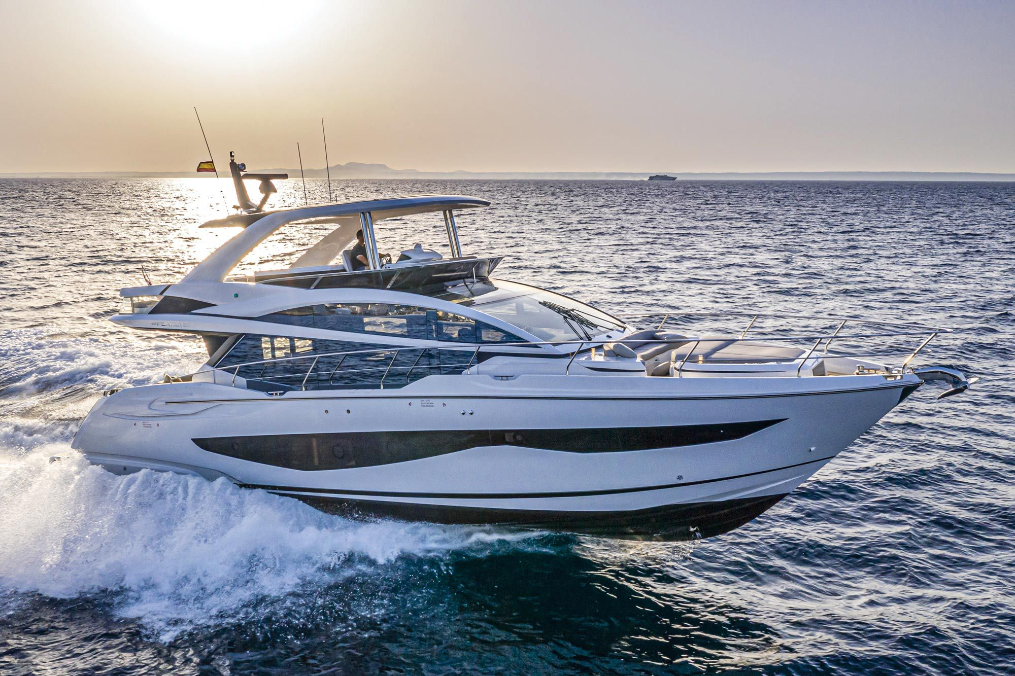 Powered with twin 900 hp Volvo Penta IPS1200s, the Pearl 62 made 32 knots at wide-open throttle.