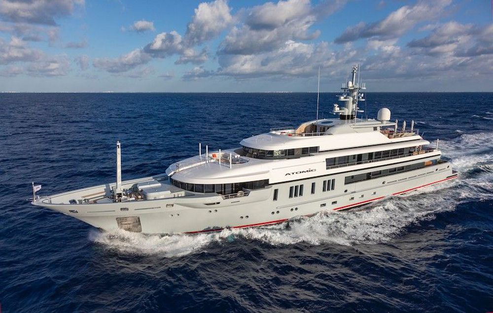 <i>Atomic</i> has two main-deck VIP suites abaft the master as well as a custom dive center with mechanically ventilated wetsuit lockers and backlit glass-enclosed lockers.